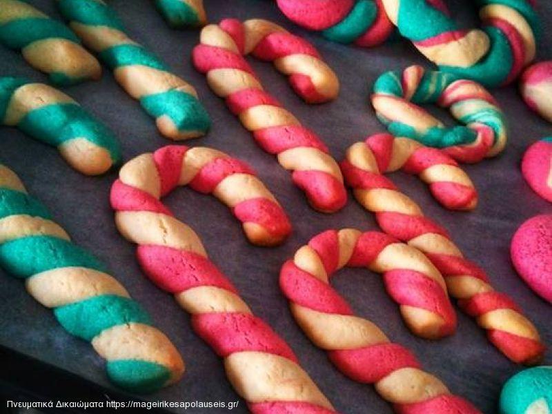 Πολύχρωμα χριστουγεννιάτικα μπισκότα