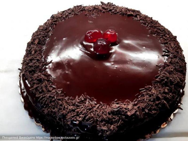 Σοκολατένιο κέικ με μόνο δύο υλικά