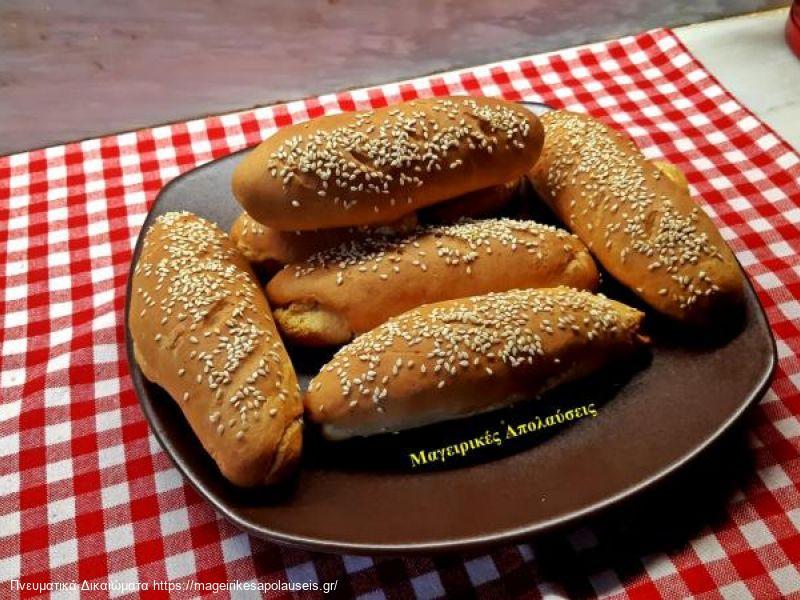Ψωμάκια χωρίς μαγιά γεμιστά με τυρί