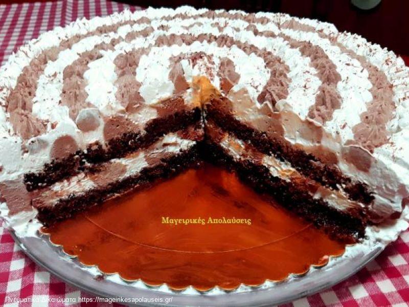 Τούρτα αφρός που λιώνει στο στόμα με σοκολατένιο παντεσπάνι ζουμερό και δυο γεύσεις σοκολάτα βανίλια