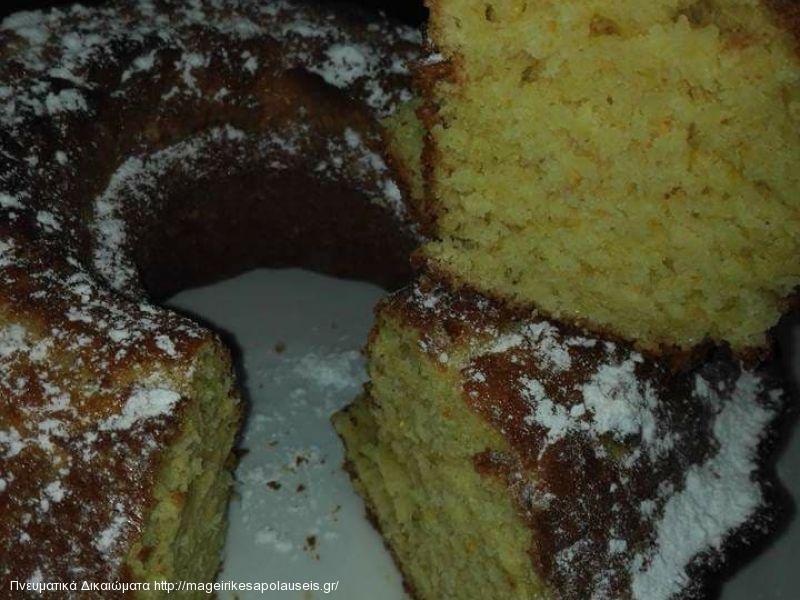 Κέικ με γιαούρτι και καλαμποκάλευρο