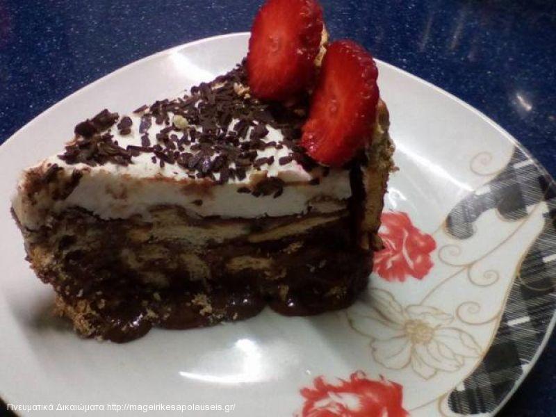 Κορμός σοκολάτας σε τούρτα