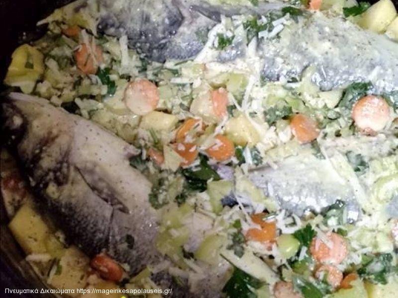 Λαυράκι στο φούρνο με λαχανικά και σάλτσα μουστάρδας ala Lina